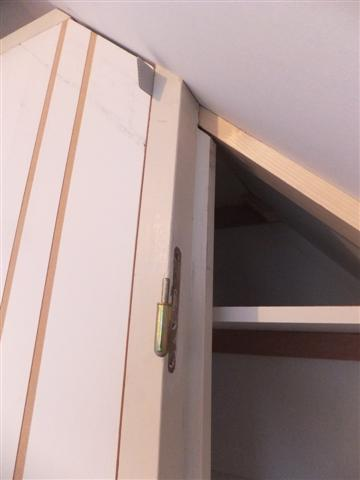 Construire un placard sous escalier - Faire un placard sous escalier ...