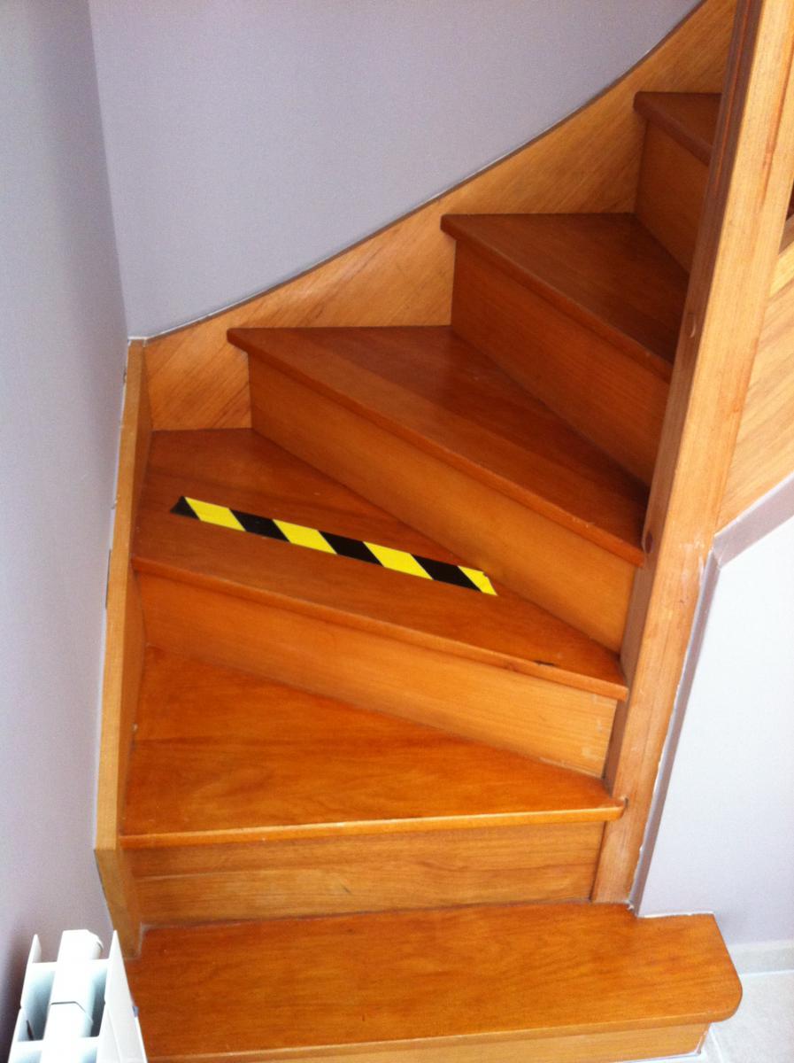 marche escalier fendue. Black Bedroom Furniture Sets. Home Design Ideas