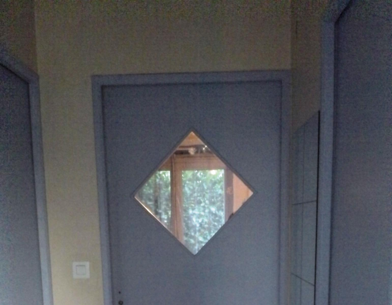 conseils pour peindre des portes int rieures. Black Bedroom Furniture Sets. Home Design Ideas