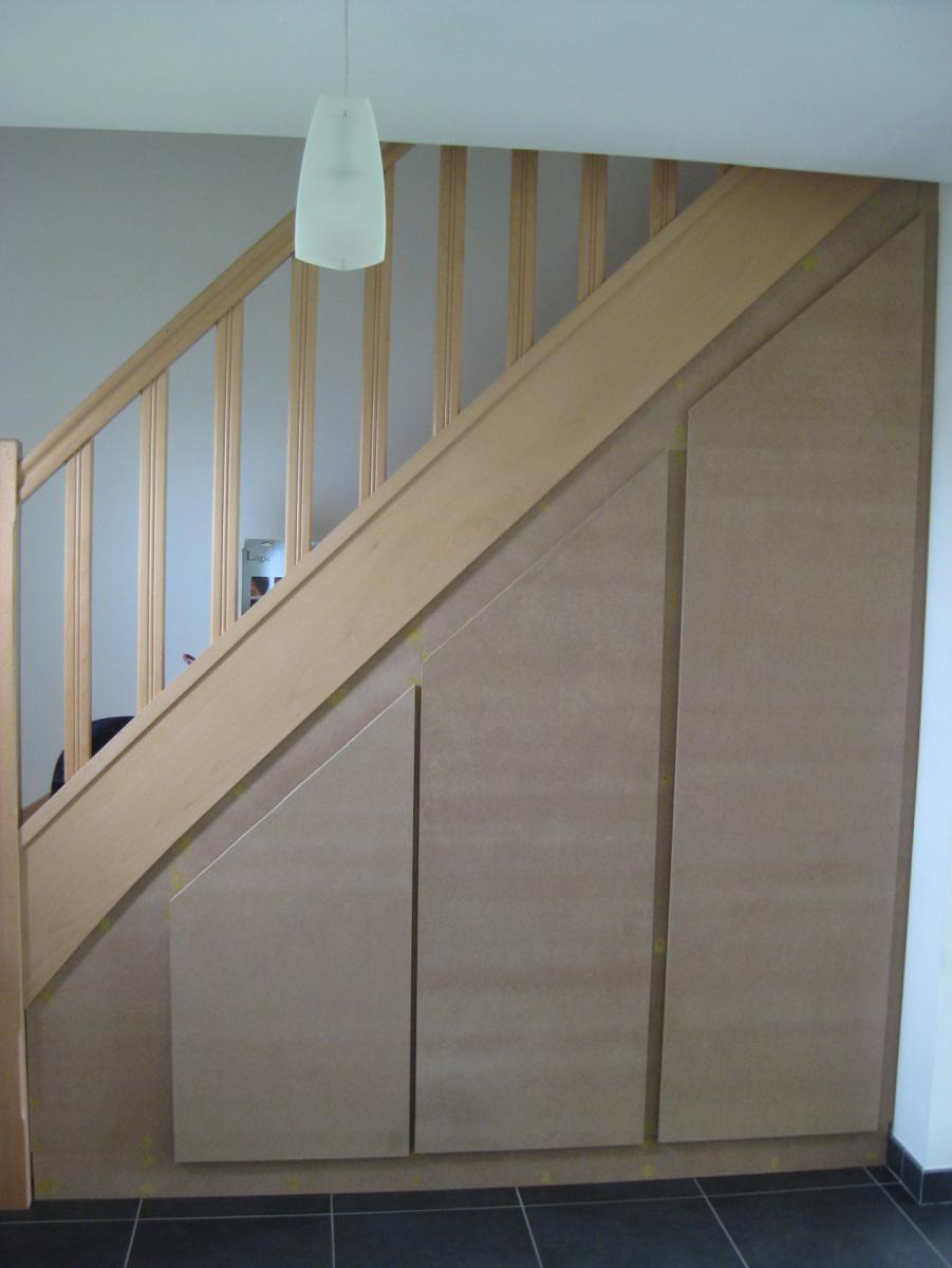 Creer Un Meuble Sous Escalier construire un placard sous escalier