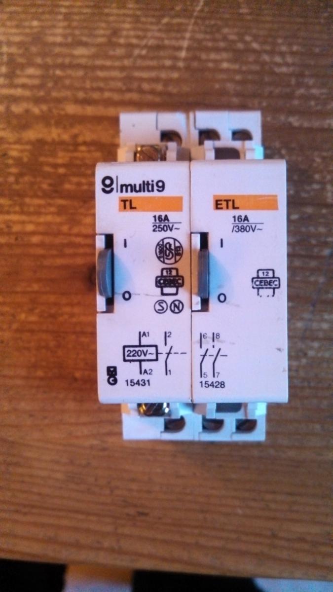 Télérupteur Multi 9 TL 15431 + ETL 15428