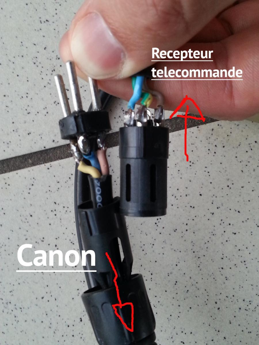 Si la télécommande de votre VOOcorder ne fonctionne plus, plusieurs vérifications sont à effectuer. Découvrez les dans vidéos Si ce n'est pas le cas, les piles de la télécommande sont peut-être déchargées.