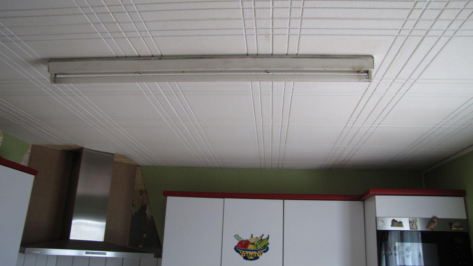 Comment r aliser un faux plafond fashion designs - Comment faire un faux plafond avec spot ...