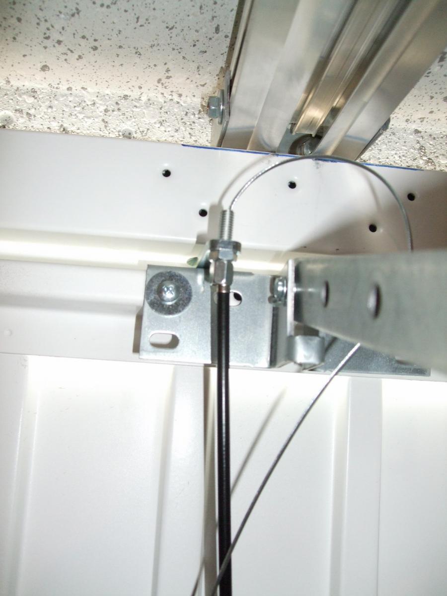 Cable de tension pour porte de garage fabulous ce sont for Comment ouvrir une porte de garage automatique
