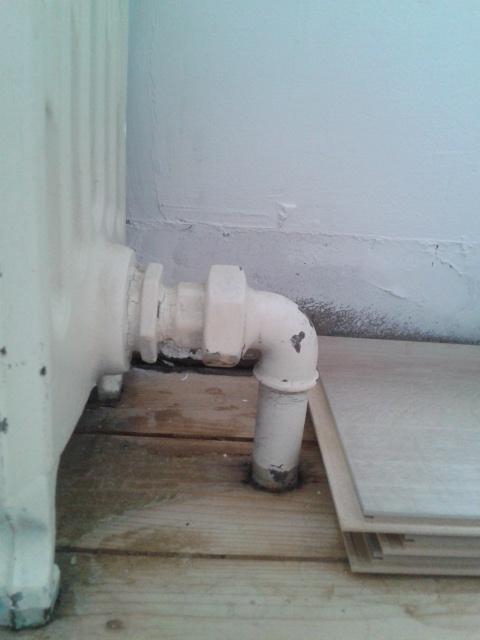 rehausser radiateurs fonte pour pose parquet. Black Bedroom Furniture Sets. Home Design Ideas