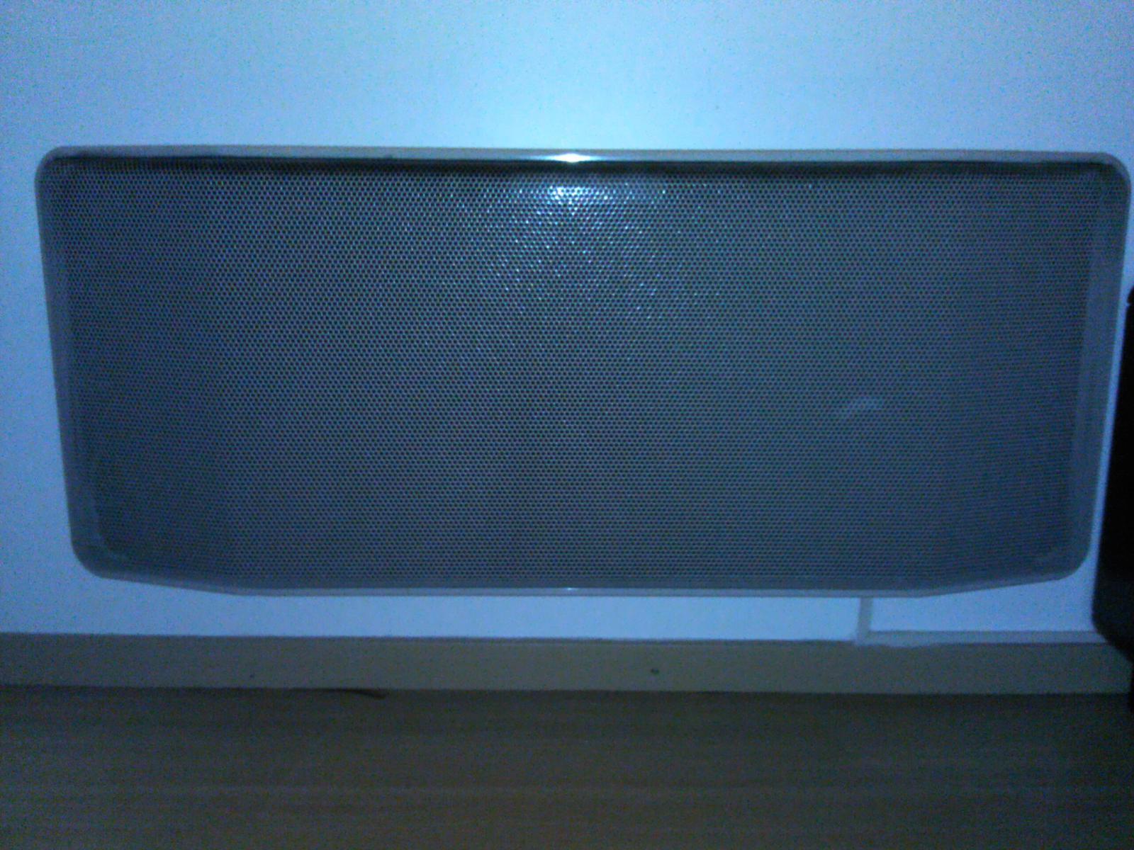 Traces noires sur les murs avec radiateur lectrique - Peindre derriere radiateur ...