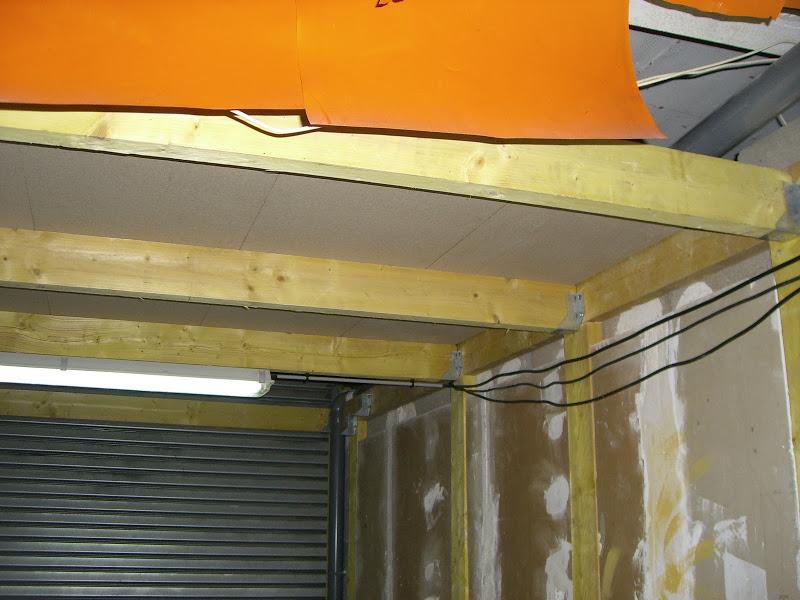 Faire un petit grenier dans un garage box - Construire un plancher bois dans un garage ...