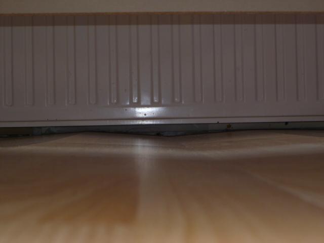parquet flottant qui gondole. Black Bedroom Furniture Sets. Home Design Ideas