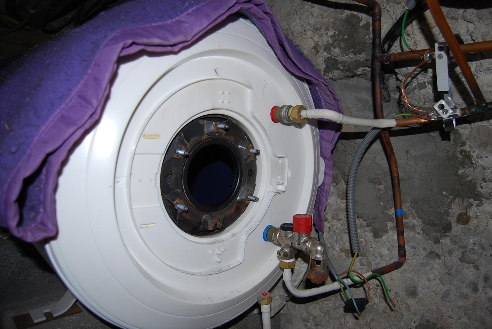 Resistance chauffe eau hs tous les 6 mois - Resistance qui chauffe ...