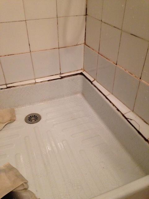 R parer une fissure entre la fa ence carrelage et le bac - Carrelage bac a douche ...