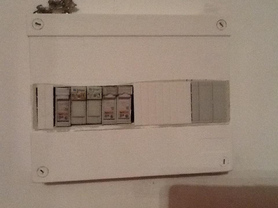 prise programmable. Black Bedroom Furniture Sets. Home Design Ideas