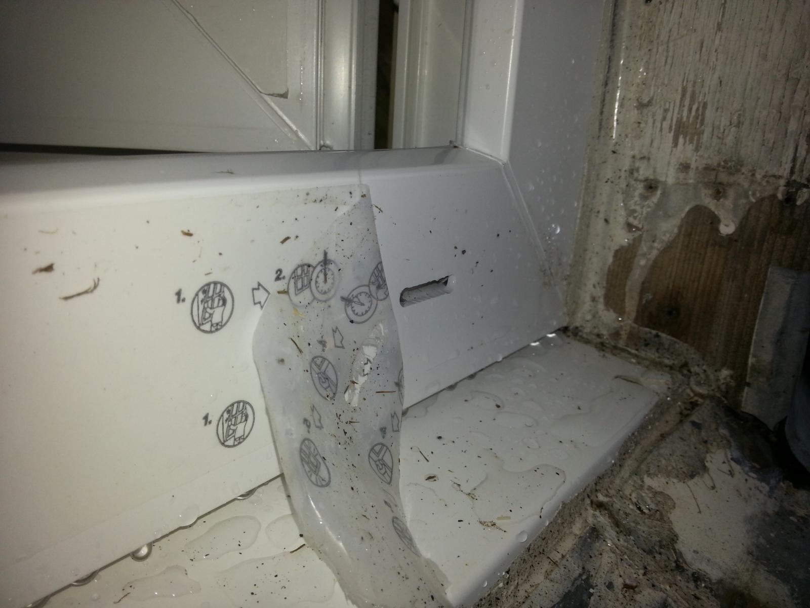 infiltration eau fen tre pvc neuve. Black Bedroom Furniture Sets. Home Design Ideas