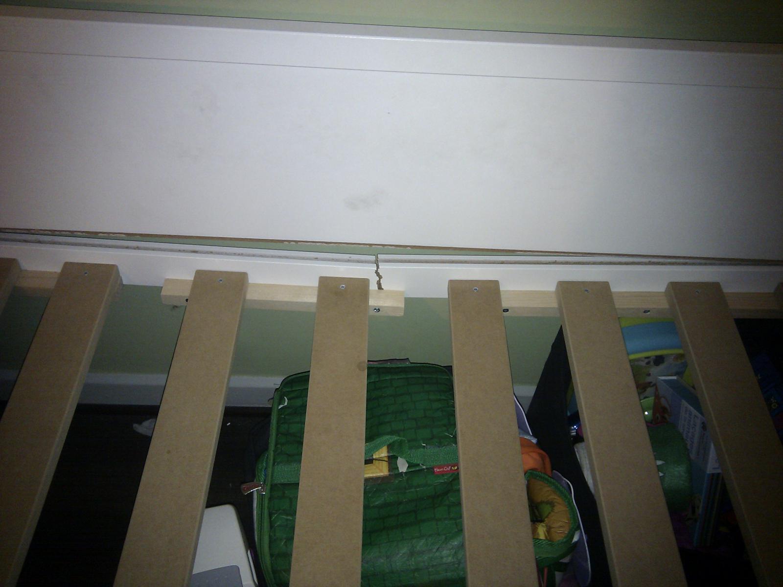 lit fly tootsie montant bris quelles r parations. Black Bedroom Furniture Sets. Home Design Ideas