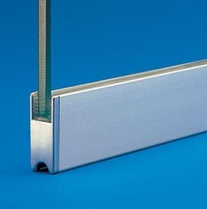 Fixer des vitres la verticale sur support horizontal for Rail pour vitre coulissante
