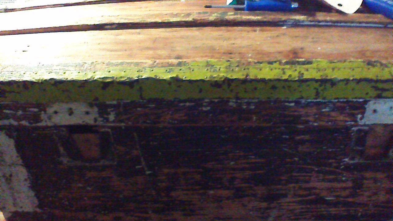 enlever le goudron sur une vieille malle d cap e. Black Bedroom Furniture Sets. Home Design Ideas