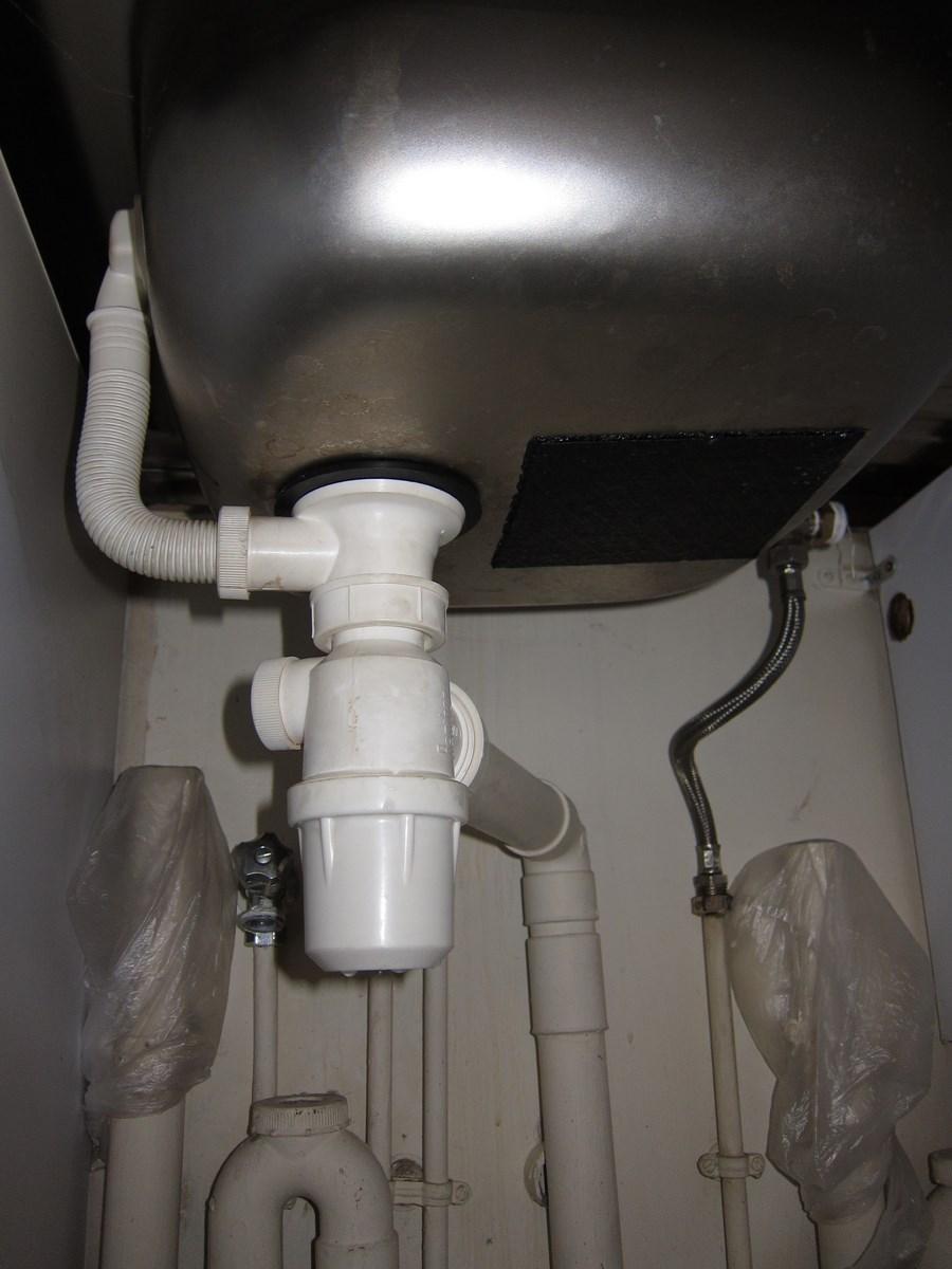 Evier et lavabo bouch s suite nettoyage siphons - Eau de javel machine a laver ...