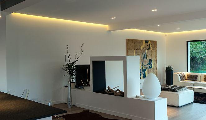 bande de led rgb et gaine. Black Bedroom Furniture Sets. Home Design Ideas