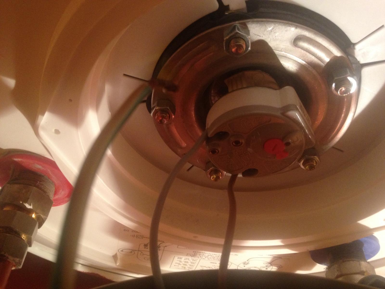 D monter mon ballon d 39 eau chaude lectrique - Baisser thermostat chauffe eau ...