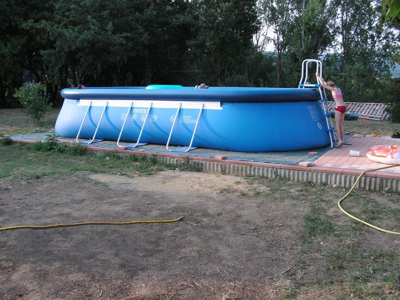 pose de piscine hors sol