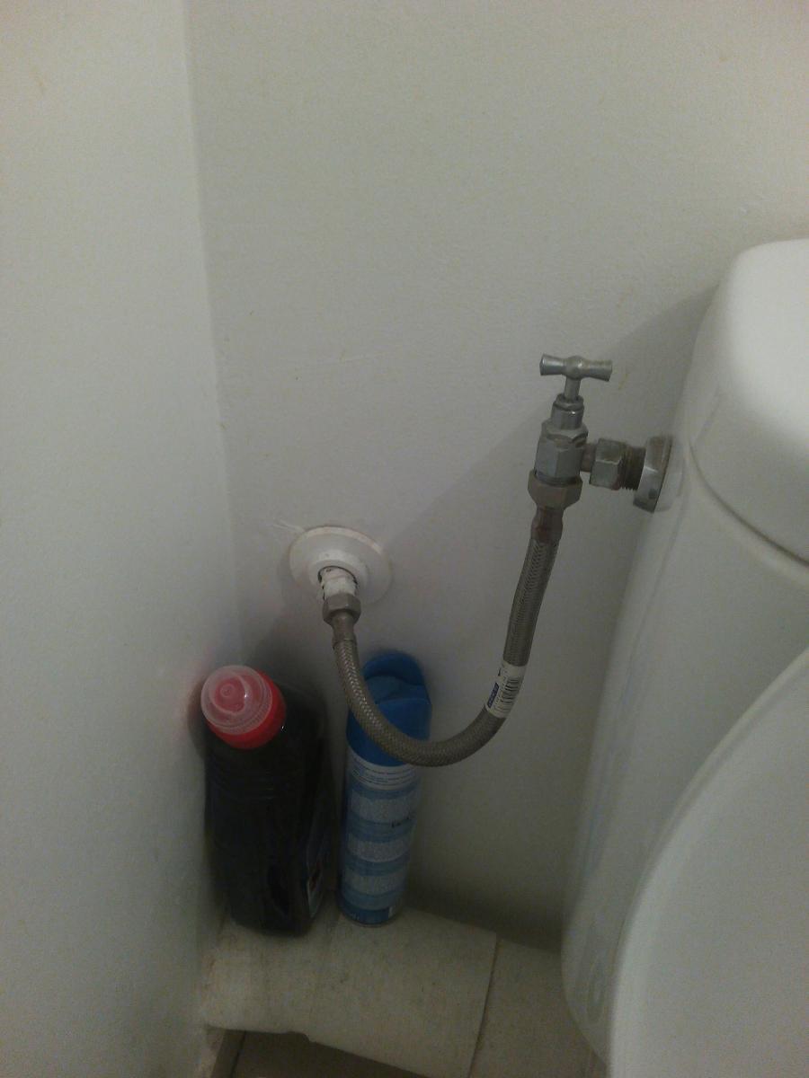 Sur la cuvette des wc - 3 part 3