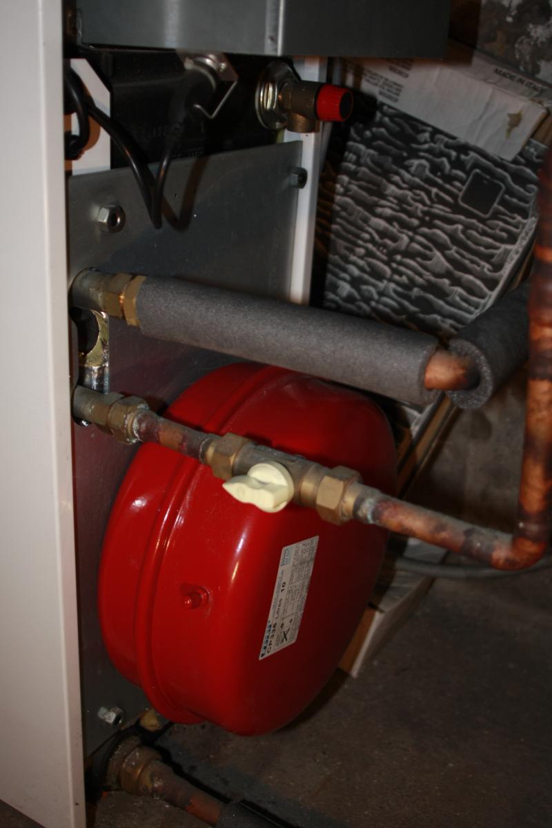 comment purger les radiateurs dans une maison a etage stunning de lair dans le chauffage. Black Bedroom Furniture Sets. Home Design Ideas
