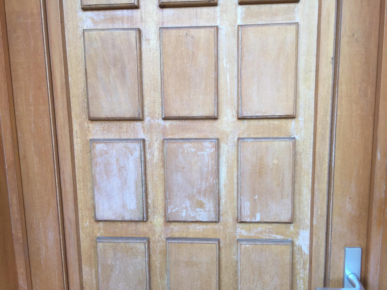 Repeindre ou revernir une porte d 39 entr e en bois - Repeindre une porte d entree en bois ...