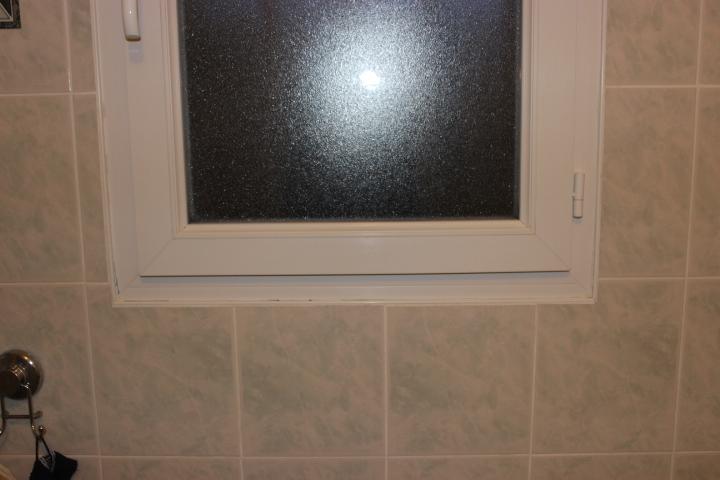 Superbe joint tour de fenêtre salle de bain @BY_47