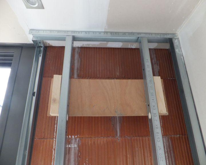 Construire une cloison en place pouvant accueillir une verri re - Construire une verriere en bois ...