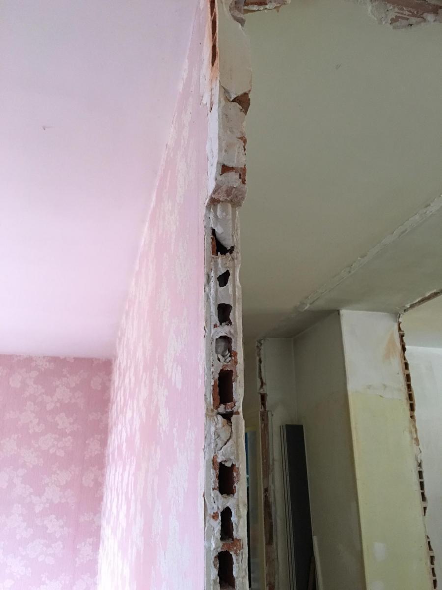 comment prolonger des cloisons en briques creuses pour. Black Bedroom Furniture Sets. Home Design Ideas