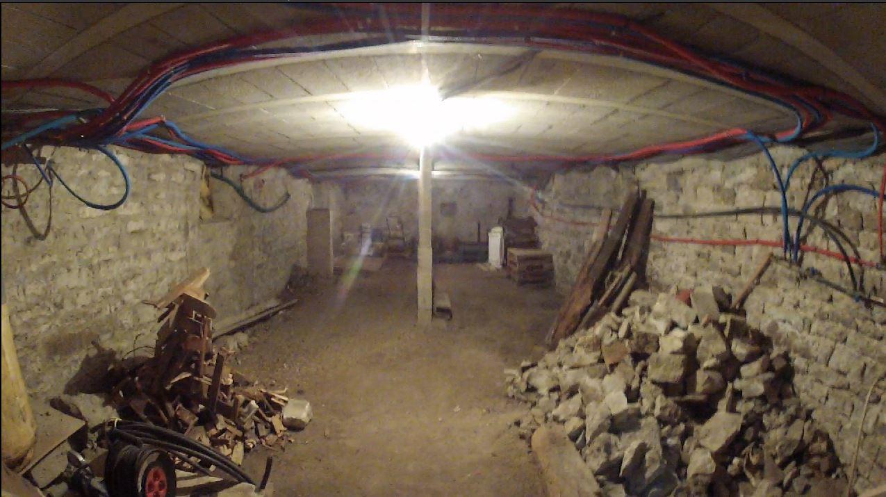 Comment Cacher Ses Cables cacher ces cables éléctrique sous la cave