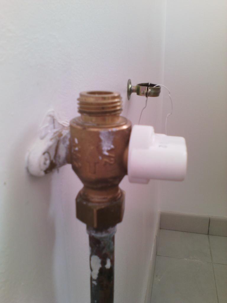 Citerne enterr e propane et roai sur le mur quel flexible for Norme robinet gaz cuisine