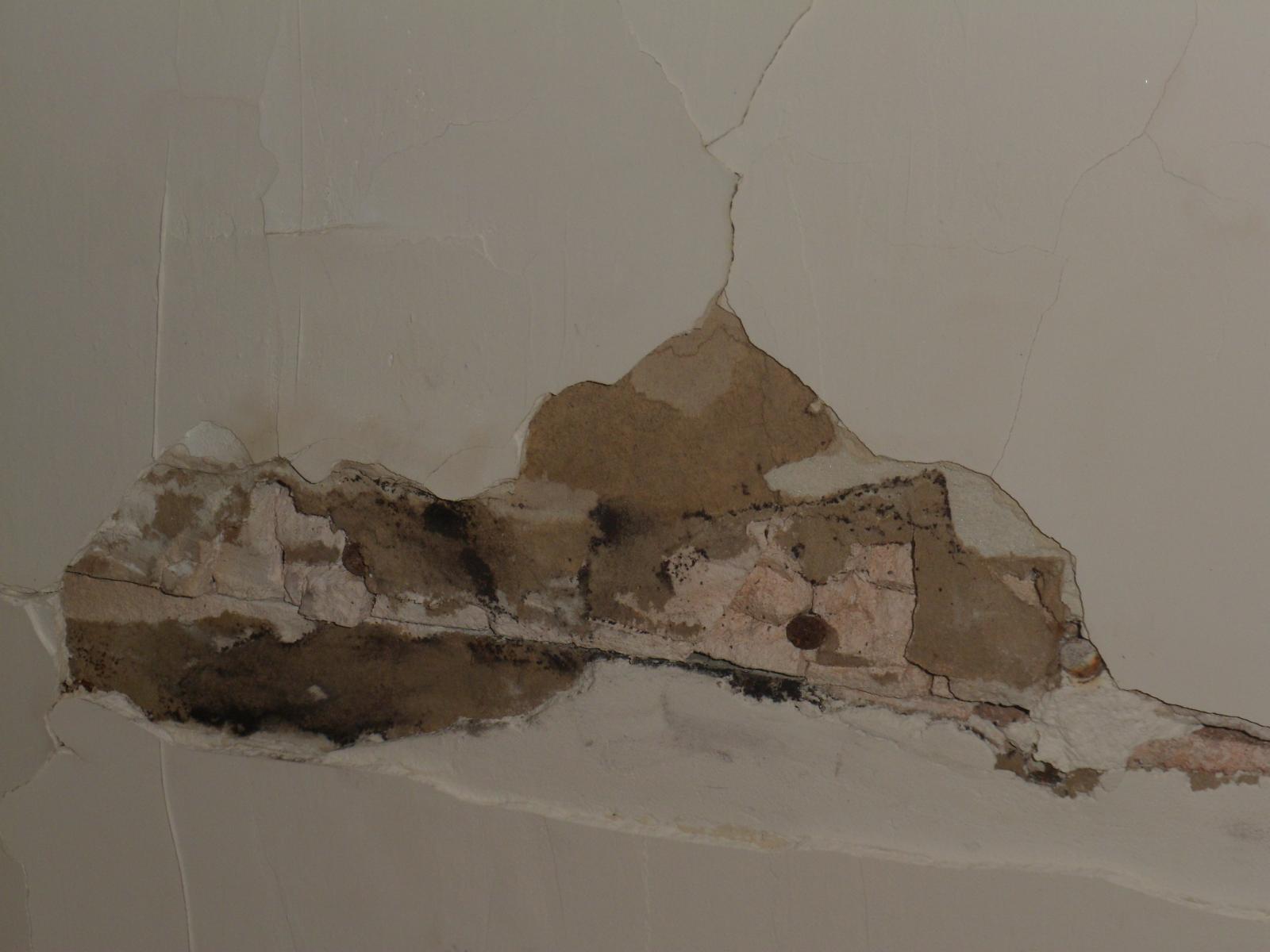 R paration d 39 un trou dans plafond - Refaire plafond apres degats des eaux ...