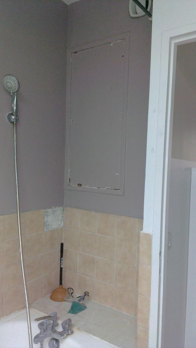 cr er une niche en b ton cellulaire dans une salle de bain. Black Bedroom Furniture Sets. Home Design Ideas
