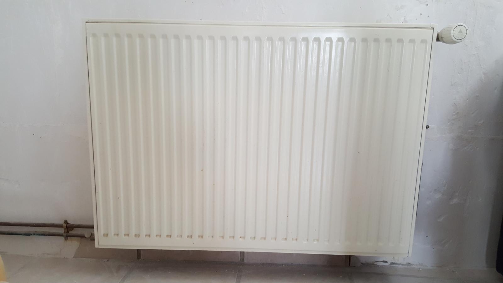 Placer placo radiateur tuyaux cuivres je suis perdue - Fixation radiateur placo ...