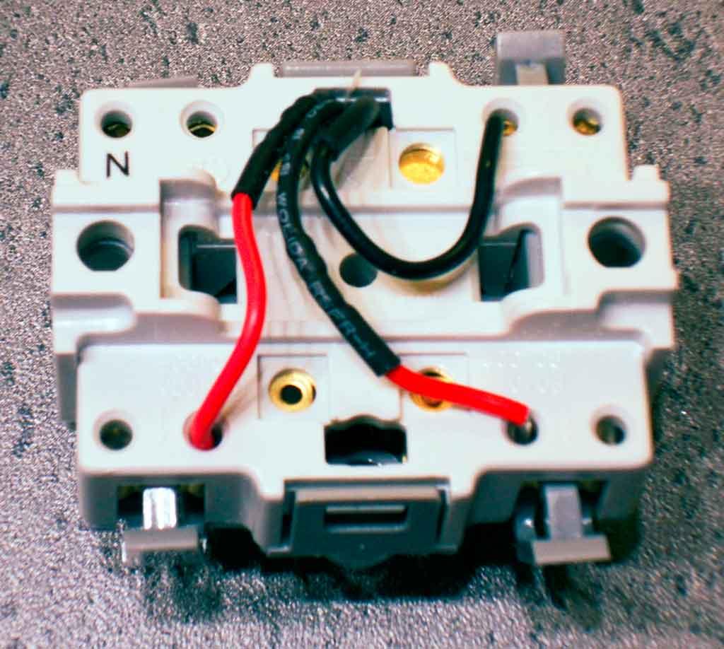 Branchement interrupteur va et vient avec voyant - Comment brancher un interrupteur ...