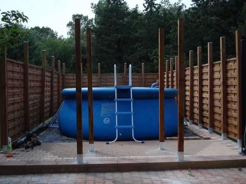 Quoi mettre sous ma piscine tubulaire - Dalle sous piscine hors sol ...