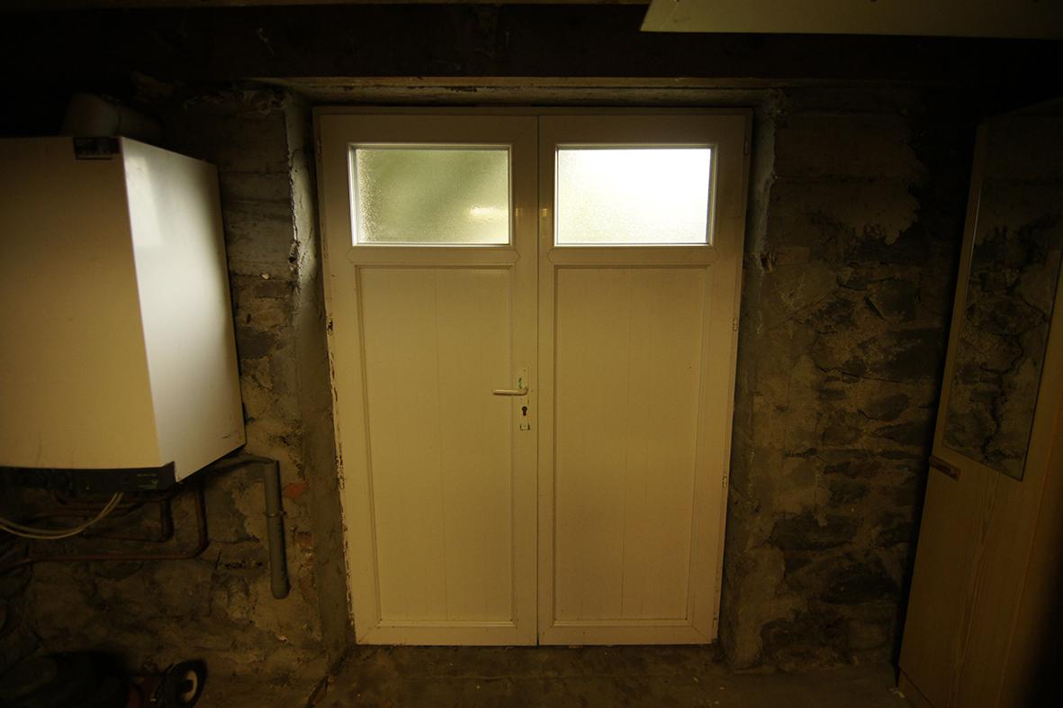 mauvaise ventilation d 39 une cave semi enterr e. Black Bedroom Furniture Sets. Home Design Ideas