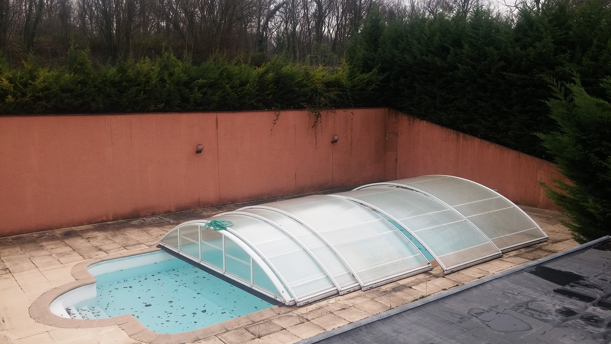 R paration terrasse piscine abim e for Refaire joints carrelage piscine