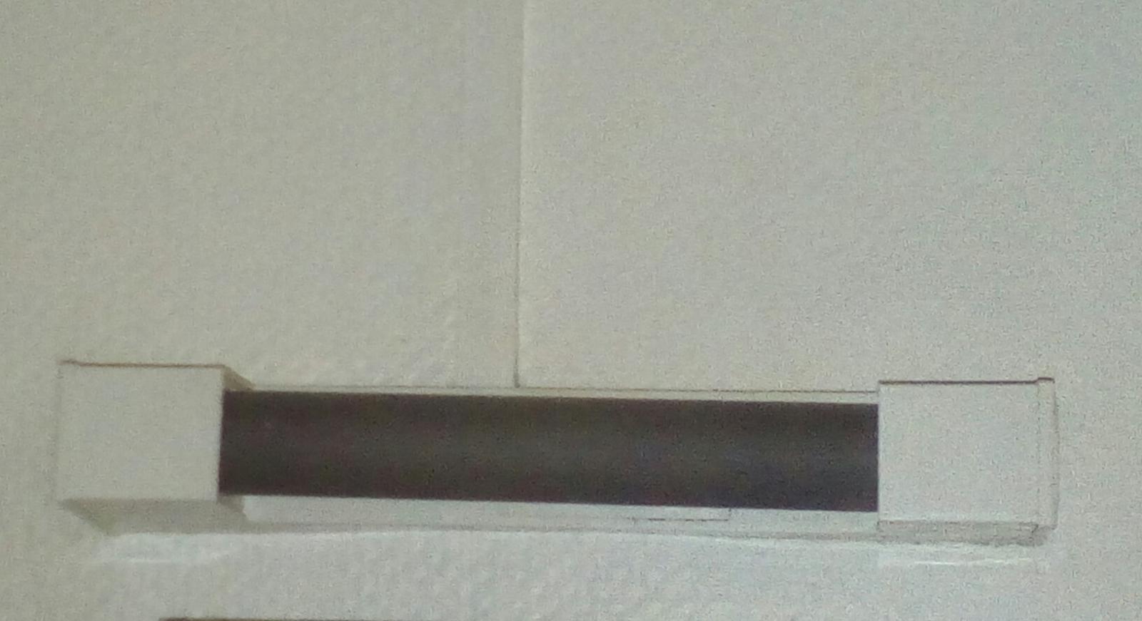 Changer une ampoule salle de bain en tube - Changer ampoule plafonnier salle de bain ...