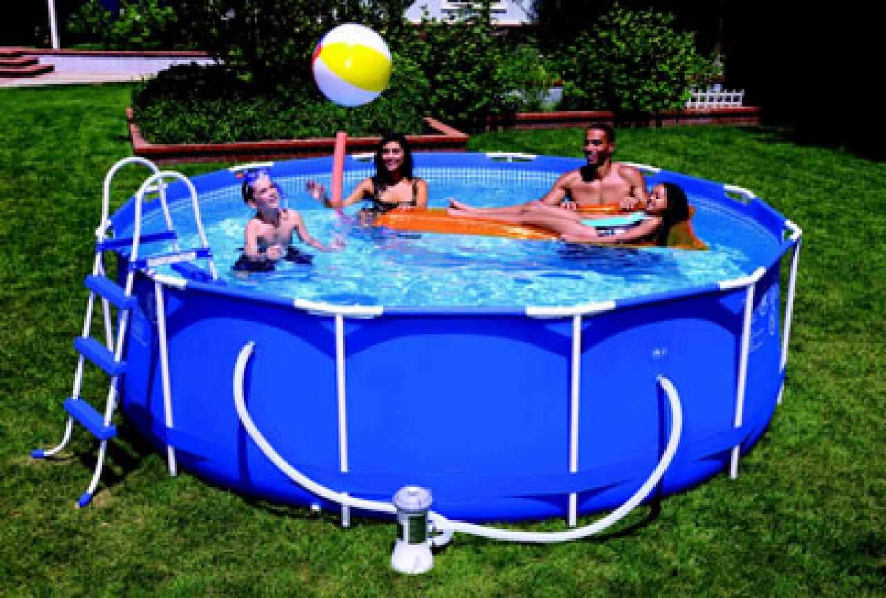 Piscine sur toit terrasse for Piscine intex tubulaire en solde