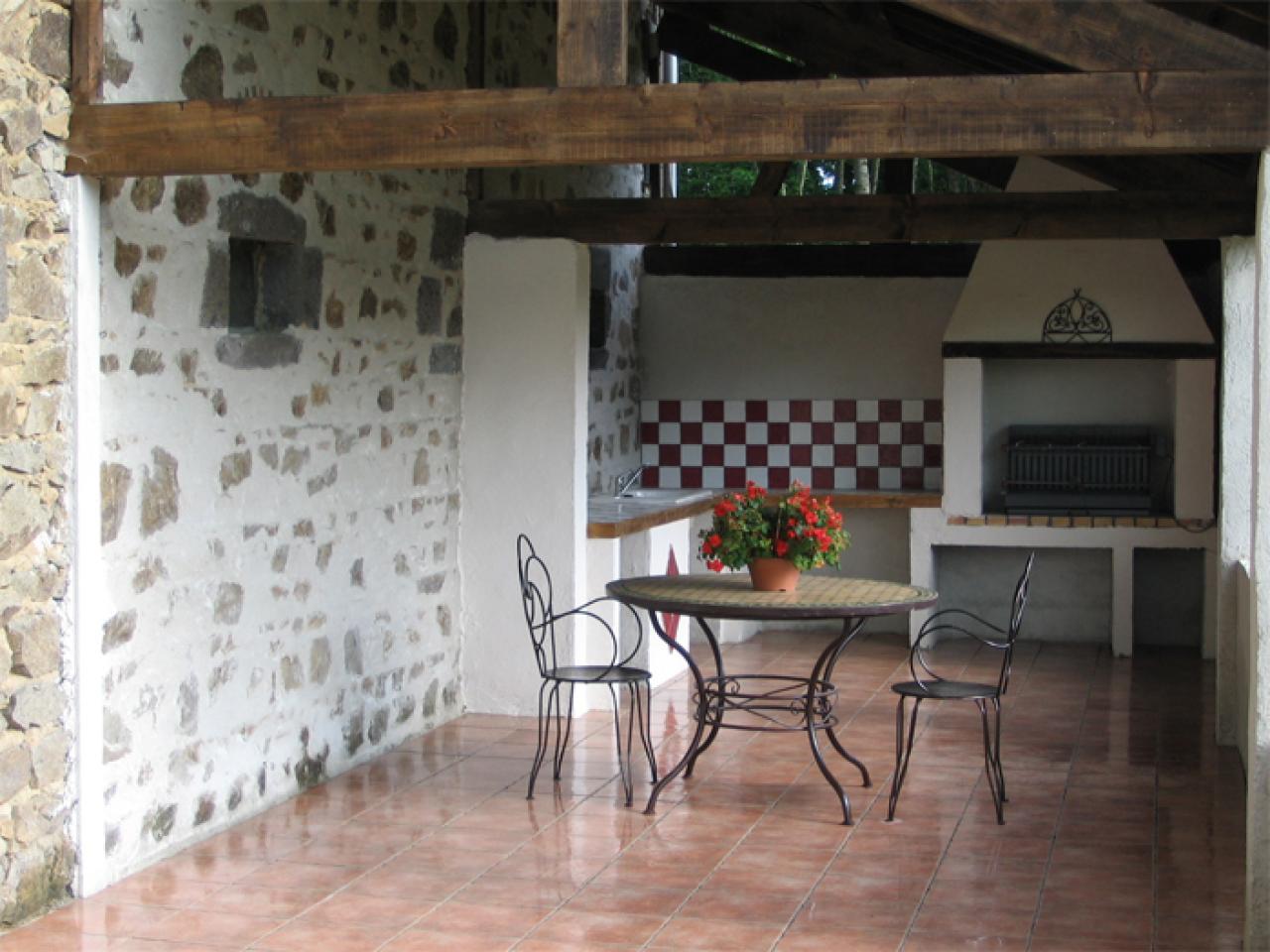 Probleme de joint entre pierre sur un mur - Probleme humidite mur interieur ...