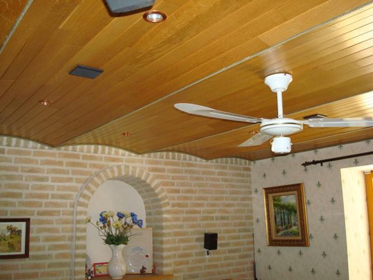 Jointures poutres et faux plafond en placo for Faux plafond en placo