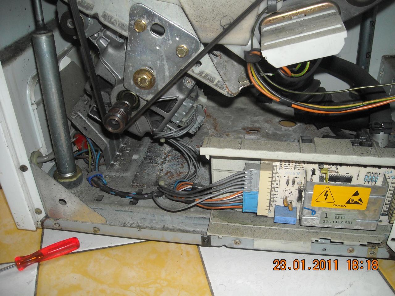 Plus d 39 essorage lave linge siemens aquatronic 7113 for Interieur machine a laver