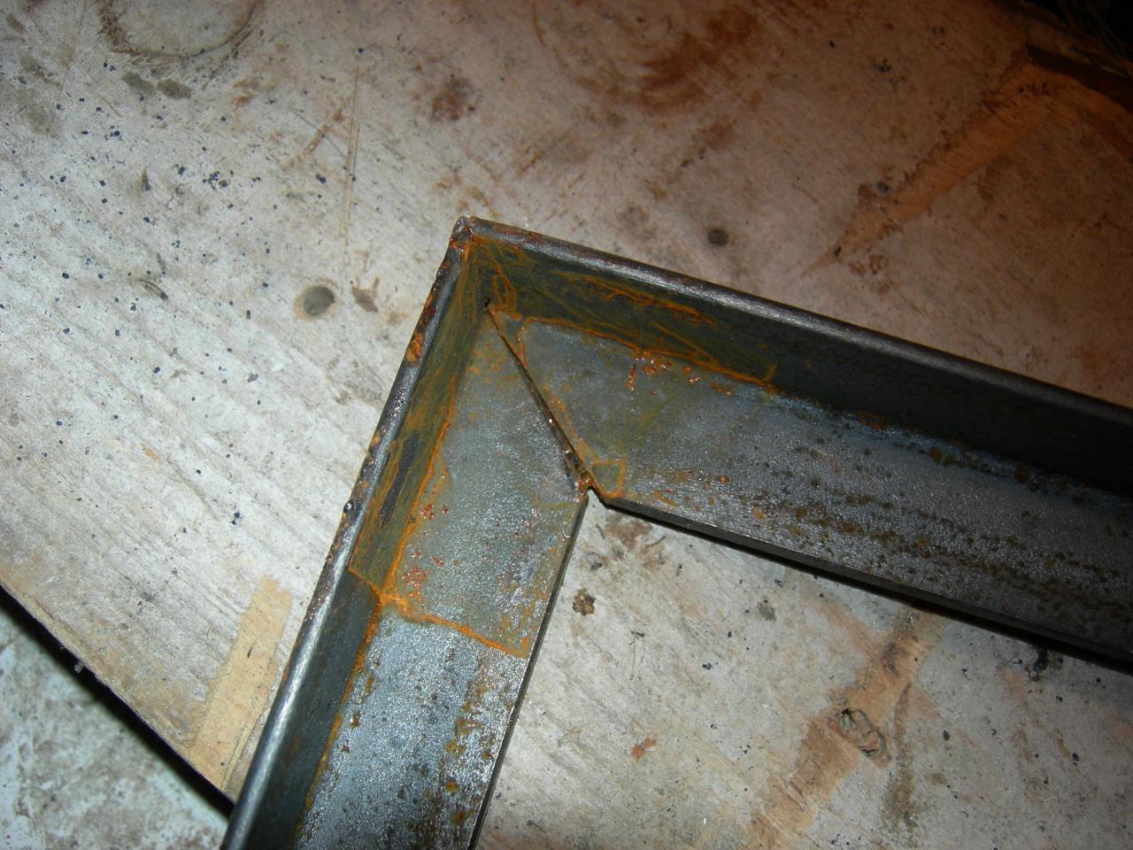 Cadres en corni res de 25mm - Comment couper des baguettes en angle ...