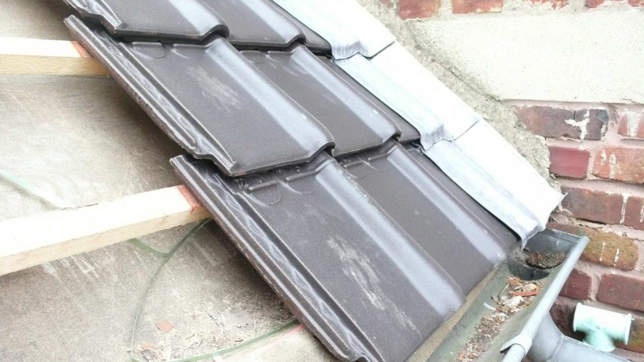 etanch it toiture laision tuile mur plomb. Black Bedroom Furniture Sets. Home Design Ideas
