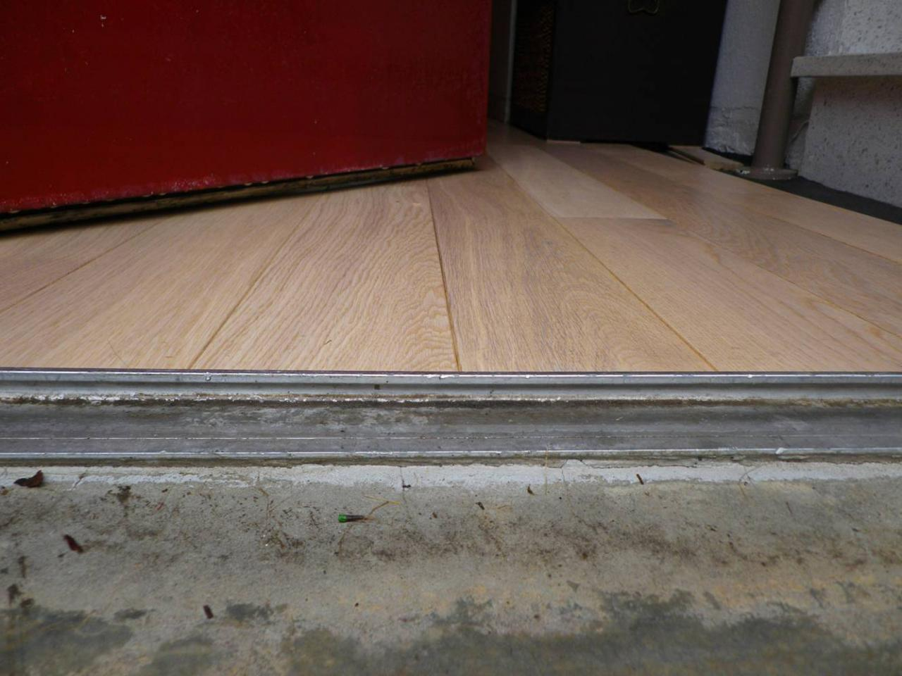 Parquet pin peindre faire devis en ligne noisy le grand for Peindre du parquet en pin