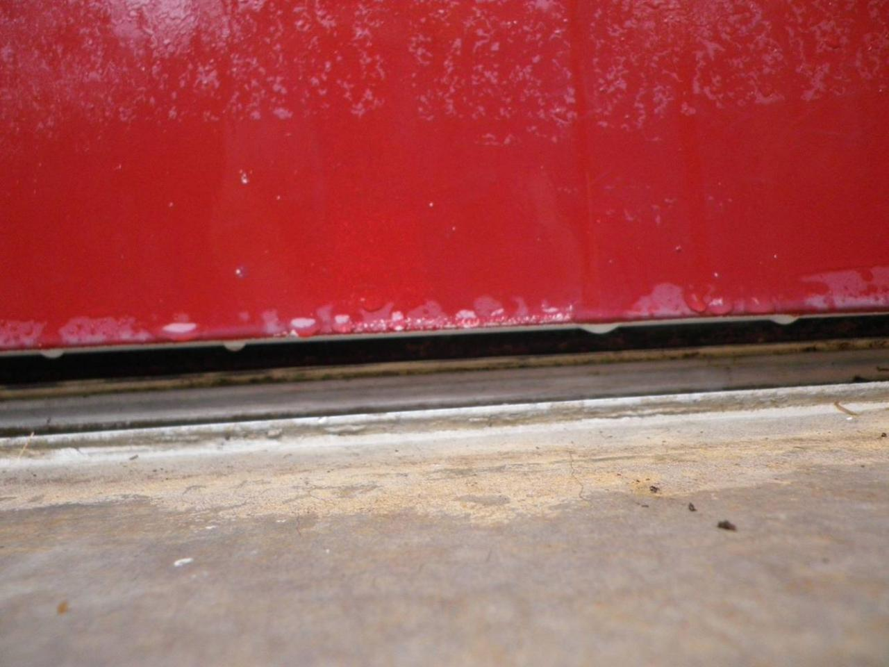 Porte d 39 entr e comment isoler le parquet - Comment isoler une porte d entree du bruit ...