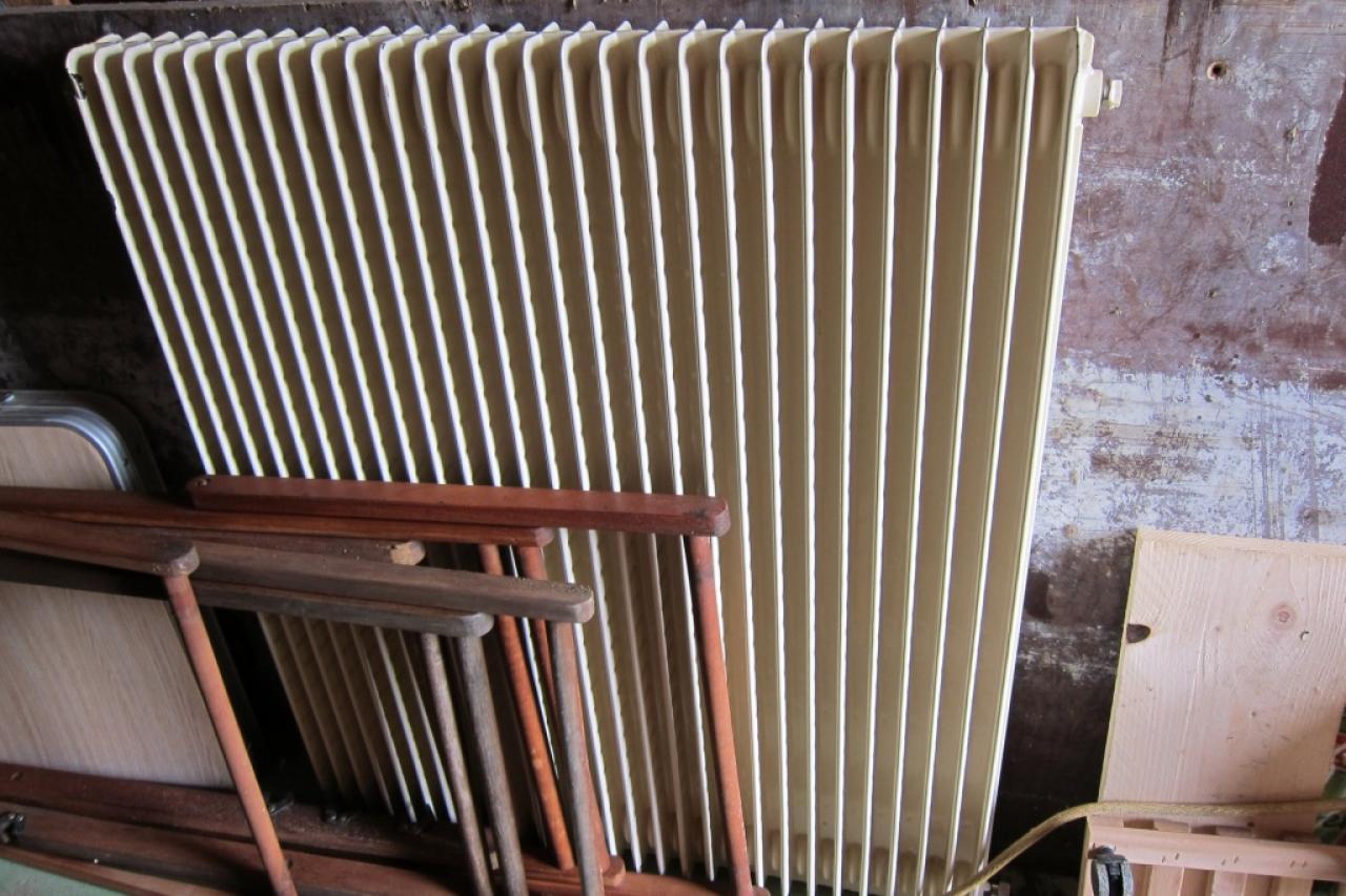 radiateur fonte ancien prix with radiateur fonte ancien prix. Black Bedroom Furniture Sets. Home Design Ideas