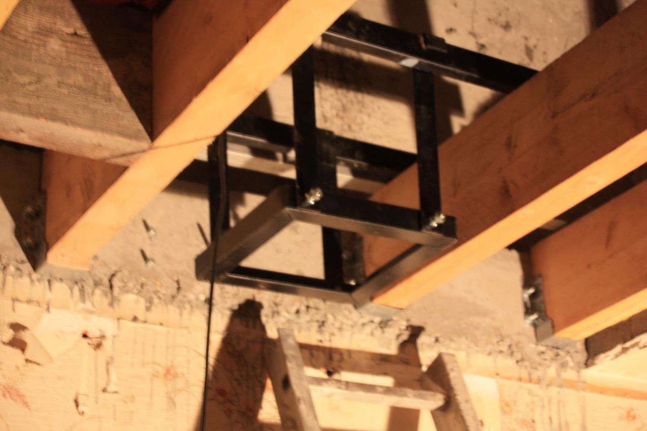 chevetre conduit chemin d part plafond. Black Bedroom Furniture Sets. Home Design Ideas