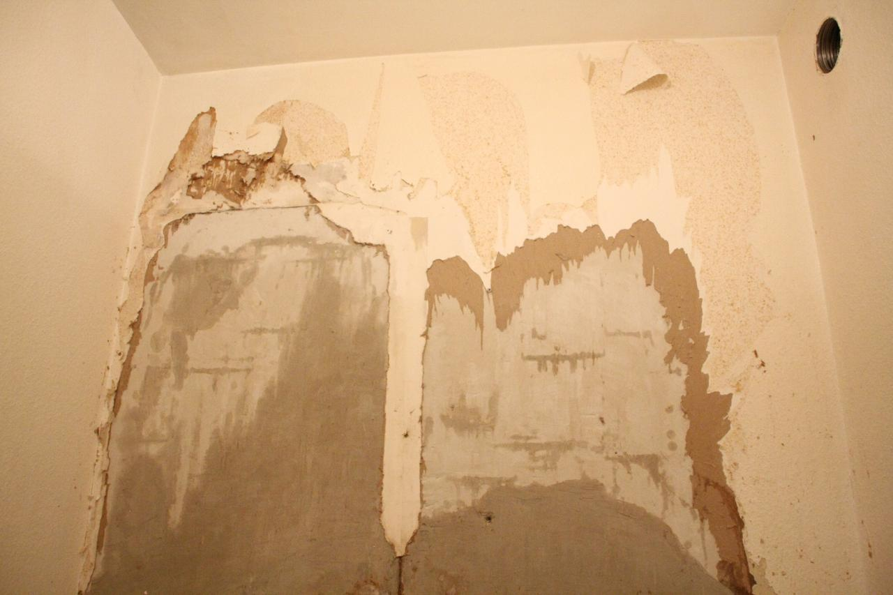 comment repeindre correctement sur un mur comme celui i. Black Bedroom Furniture Sets. Home Design Ideas